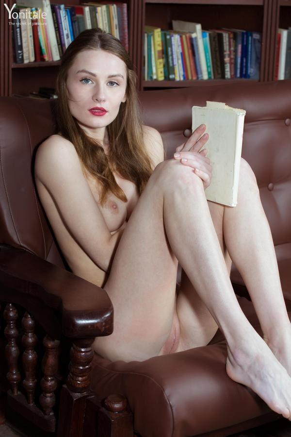 [YoniTale] Gerda Y - Pretty Nerd
