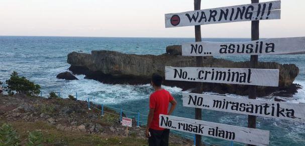15 Foto Pantai Sari Ringgung: Tiket Masuk, Lokasi dan Fasilitas