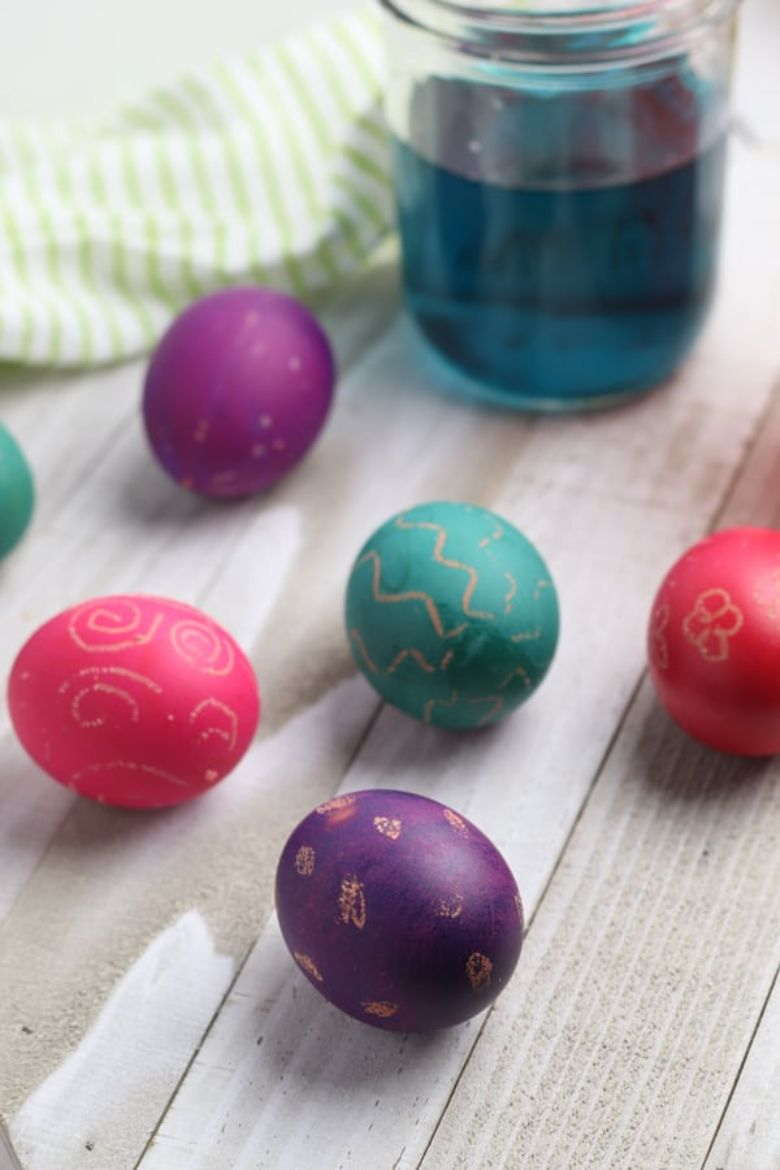 Easter egg decorating ideas - Wax Resist Eggs