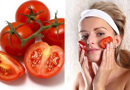 trị thâm quầng với cà chua