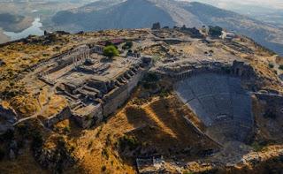 egede gezilecek yerler bergama antik kenti