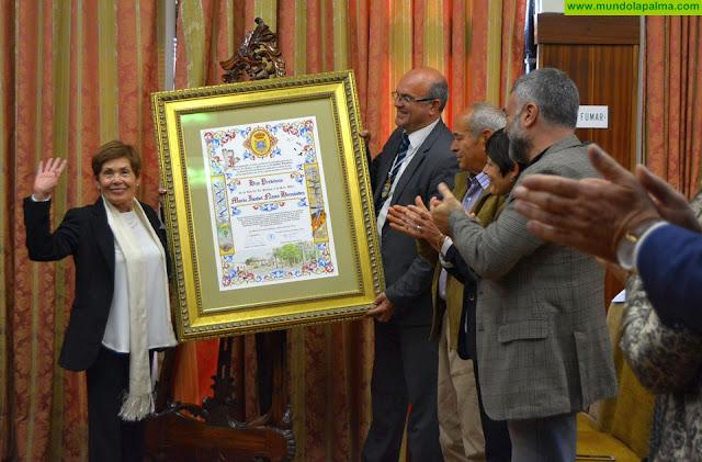 Maribel Nazco recibe el título de Hija Predilecta de La Palma por su valiosa aportación al patrimonio cultural en el campo de las Bellas Artes