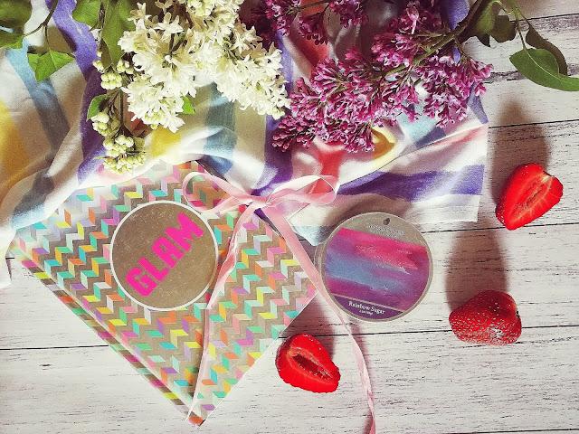 45. Kolorowe chmurki pełne słodkiej radości... Rainbow Sugar Goose Creek Candle