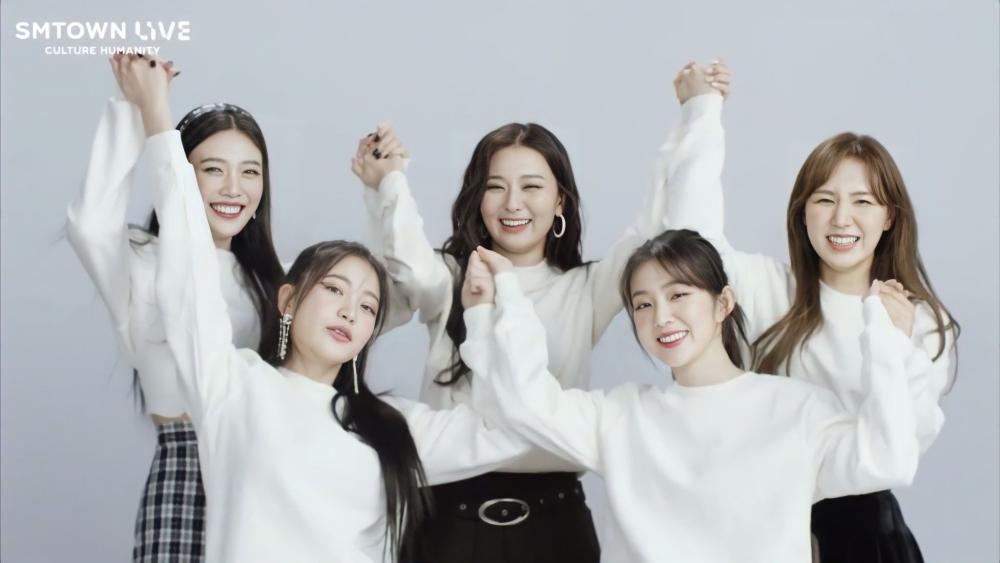 Red Velvet To Hold V LIVE Broadcast To Celebrate 7th Debut Anniversary!