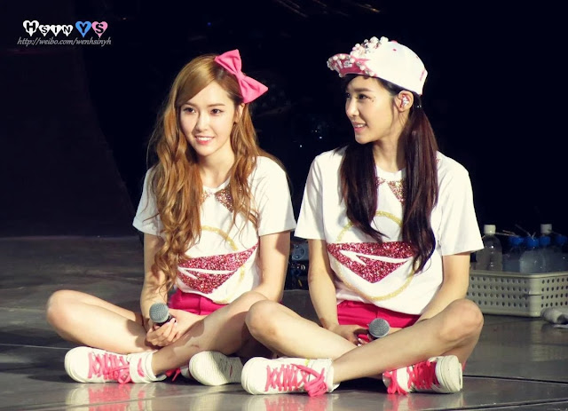 Jessica dan Tiffany (Girls' Generation)