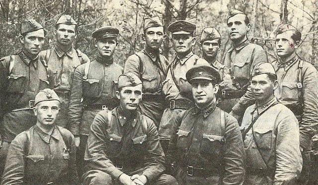 http://domveteranovomsk.ru/content/364-ya-diviziya-1942g