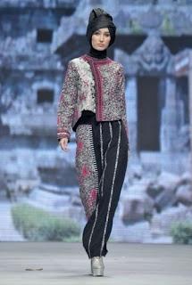 Model baju batik kombinasi untuk pesta