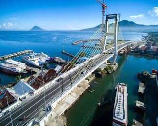 Jembatan Soekarno Melintasi Sungai Tondano