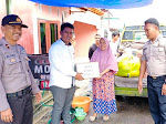 Pemuda Desa Tinigi Bahu-membahu Bantu Korban Kebakaran Tolitoli
