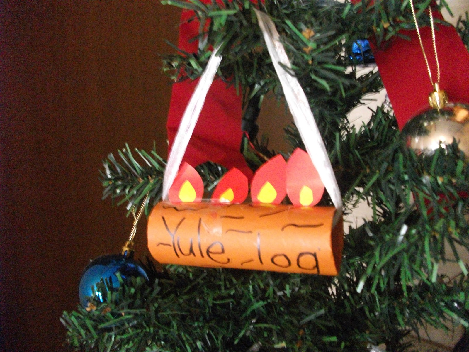 Easy yule log ornament craft for kids preschool crafts for Log craft ideas