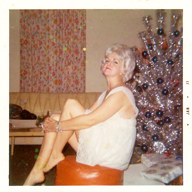 Free pics of mature women in stockings