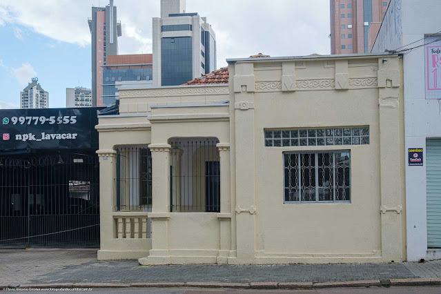 Fachada de casa na Rua Saldanha Marinho