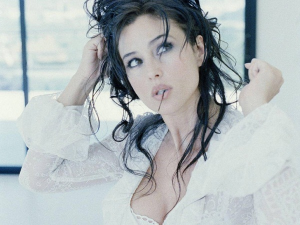 Monica Bellucci Young Image