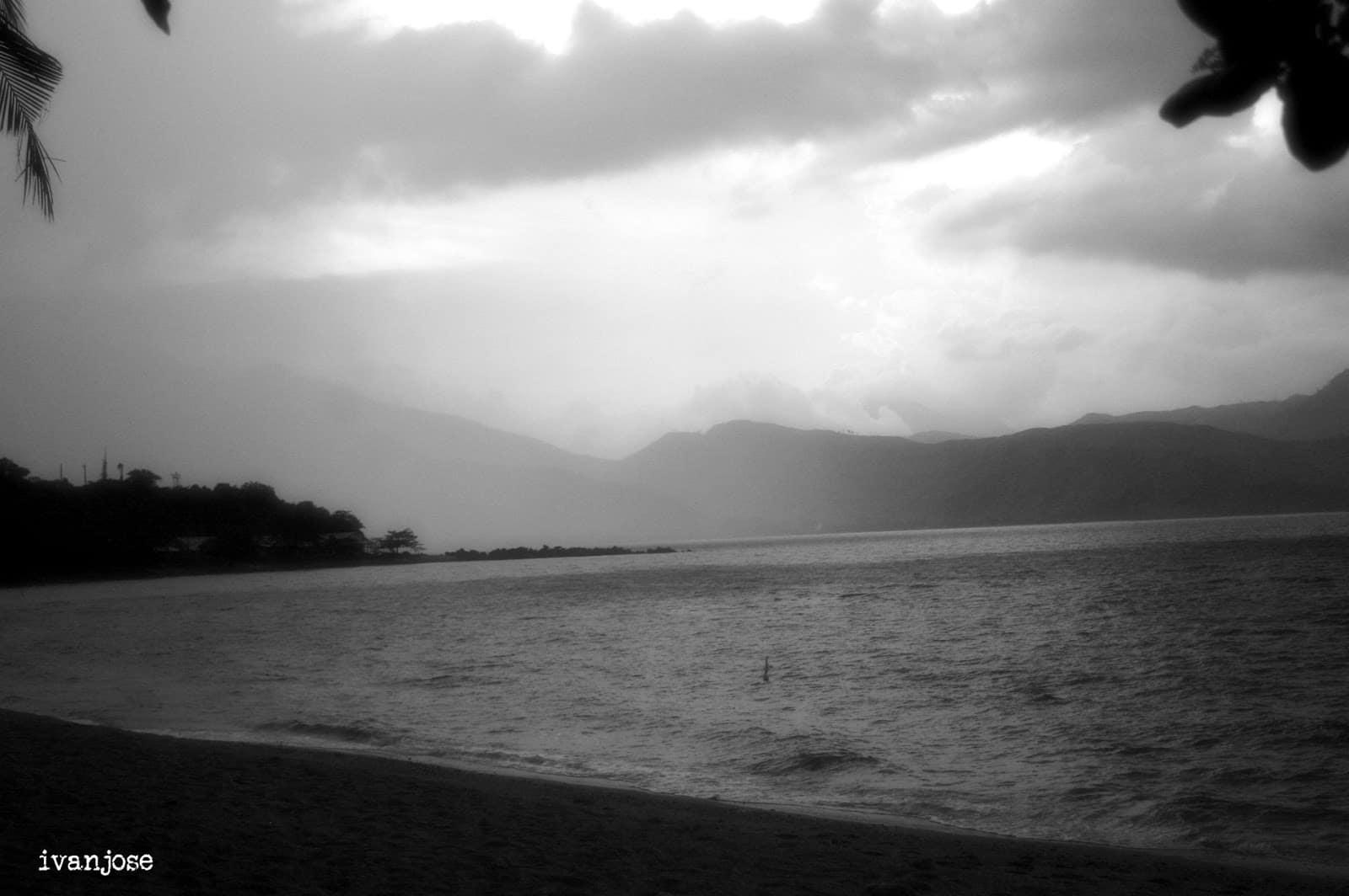 Black and white photo of the beach at Grande Island Resort