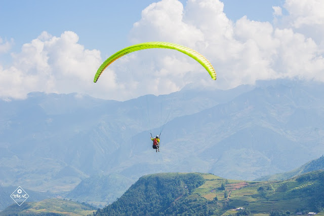 Beautiful places to play paragliding in Vietnam