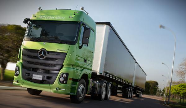 Coisas de agora actros mercedes benz assegura economia de for Mercedes benz marketing mix