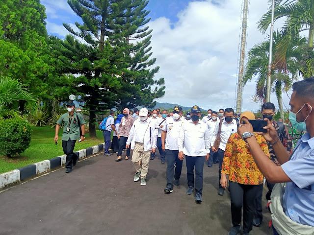 Suharso Monoarfa dan Sakti Wahyu Trenggono Tinjau Lokasi Ambon New Port dan Pelabuhan Terintergrasi.lelemuku.com.jpg