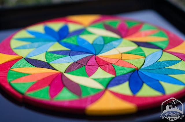 mandala de madera circle flowers de grimms