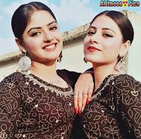 Shreya Tyagi and sister