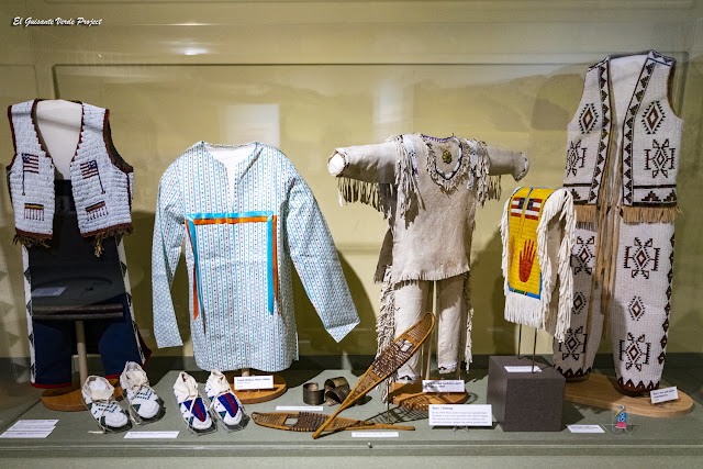 Ropas de los niños Lakota - Akta Lakota Museum