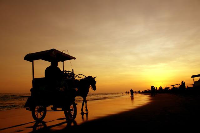 Sunset Pantai Parangtritis Bantul Yogyakarta