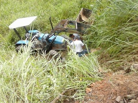 Joaquim Policarpo vice prefeito de Miracatu sofre acidente com Trator