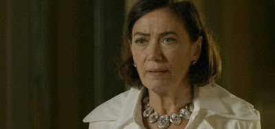 Valentina (Lilia Cabral) terá todas as suas informações vazadas por Louise (Fernanda de Freitas)