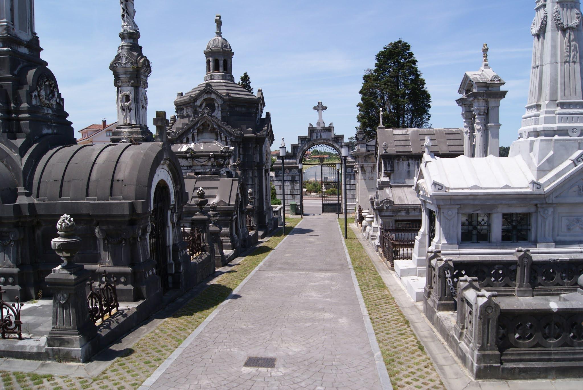 Cemetery of La Carriona (Aviles, Spain)