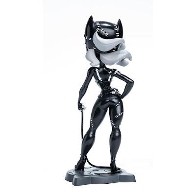 SDCC 2021 Cryptozoic Catwoman Movie Collectible Noir Edition Vinyl Figure 01