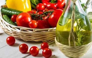 Sonbahar'da Tüketebileceğiniz Hem Lezzetli Hem de Sağlıklı Mevsim Meyve ve Sebzesi Bir Gençlik İksiri Olarak Bilinen Melatonin Hormonunun Vücudumuzda Yarattığı Muhteşem EtkilerKış Aylarında Kilo Kontrolünü Sağlamanın Püf Noktaları Sağlıklı Bir Yaşam için Beslenme Tüyoları Güne Zinde Başlamanızı Sağlayacak Enerji Deposu Besin Beslenme Alışkanlığımızın Psikolojimize Olan Muazzam Etkileri Detoks Etkisi Yapan Yiyecek Kış Mevsiminde En Çok Yenmesi Gereken Yiyecekler Ne Yersen O sun Beslenme Alışkanlığımızın Psikolojimize Olan Muazzam Etkileri Bahar Nezlesinden Korunmanın Yolları Avokado'nun Belki Sizin de Bilmediğiniz Faydası Yaz Aylarında Sindirim Sistemimizi Korumak için Nasıl Beslenmeliyiz? Ne Yaz Ne Kış Sonbaharda Hastalıklardan Korunmak İçin Almanız Gereken Önlemler