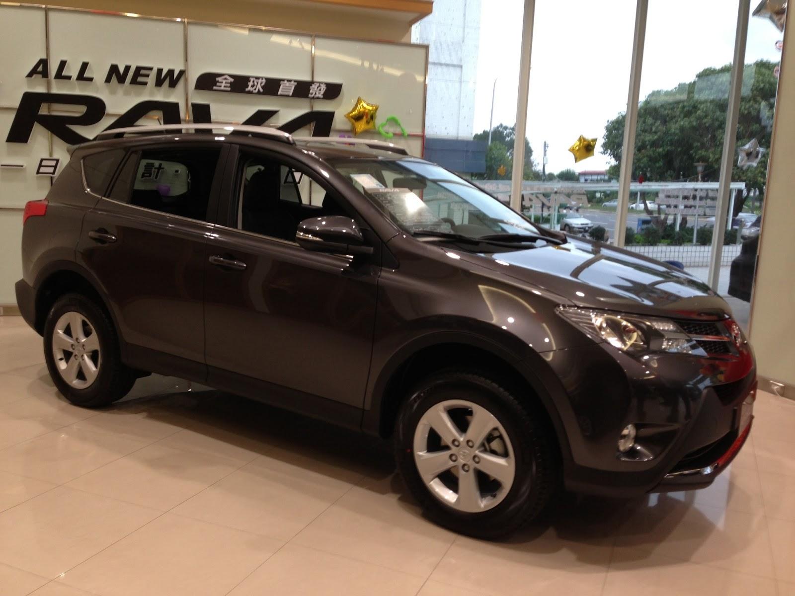 2013年Toyota Rav4試駕:進口車進化一半也是種進步嗎?