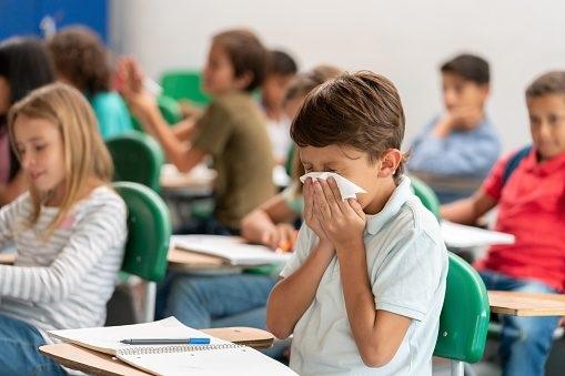 Covid e mal di scuola: dal primo ottobre parte il Pronto Soccorso Psicologico Scolastico
