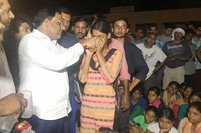girl=students-hunger-strike-over-mujedi-village-ballabgarh-faridabad