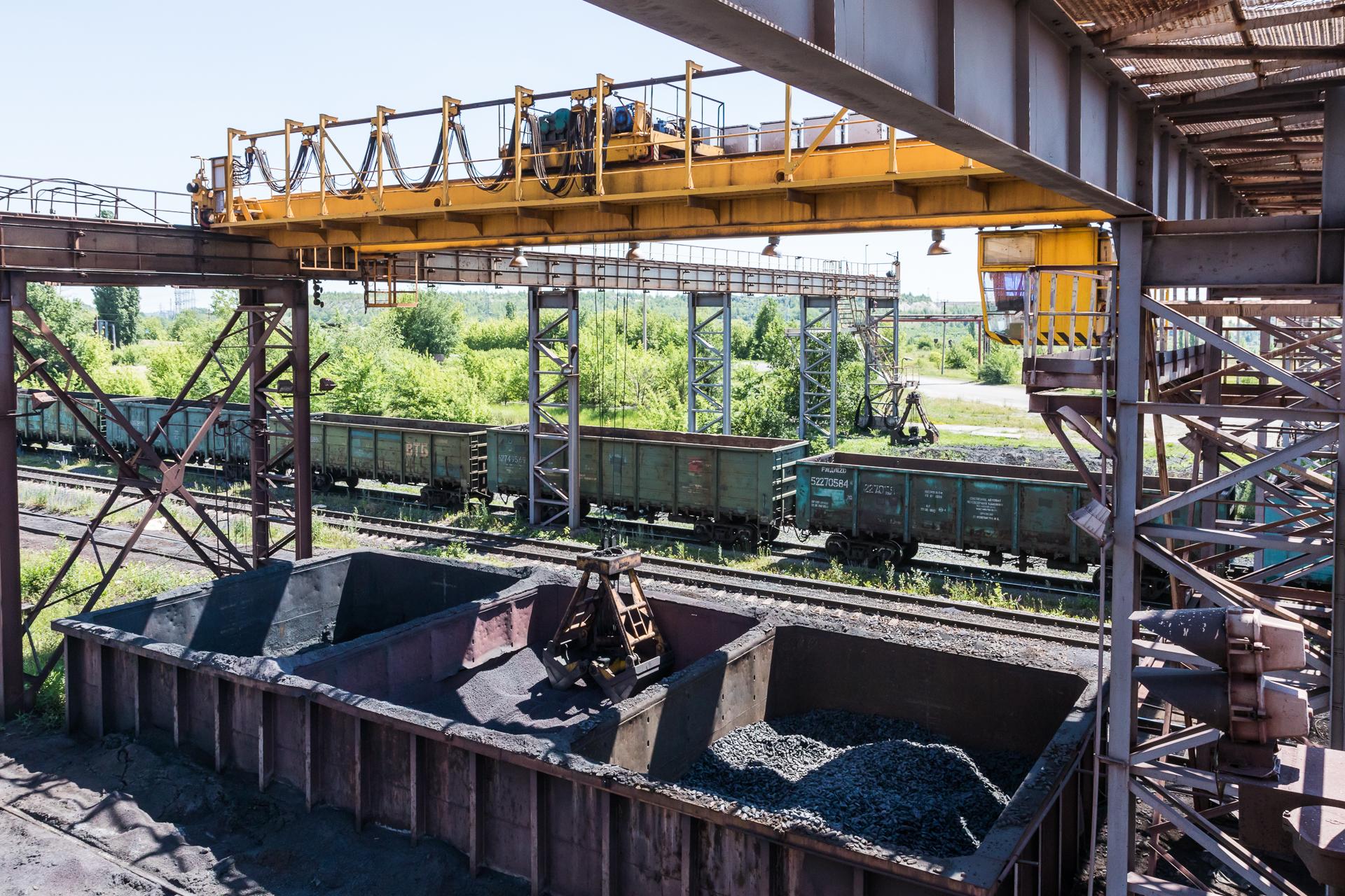 Грейферный мостовой кран для дозировки продукции