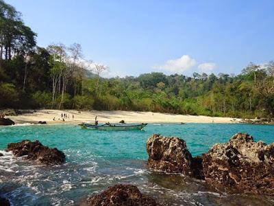 Pantai Rajegwesi