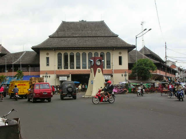 http://www.travelesia.us/2014/09/seven-places-to-explore-in-surakartas.html