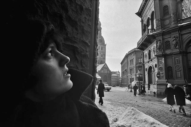 Февраль 1980 года. Вид от угла улиц Смилшу и Комьяунатнес на площадь 17 Июня