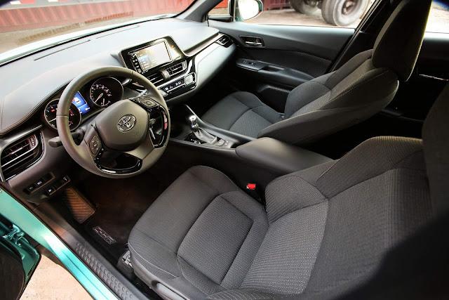 Toyota C-HR 2018 - Brasil - interior