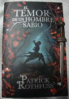 Portada del libro El temor de un hombre sabio, de Patrick Rothfuss