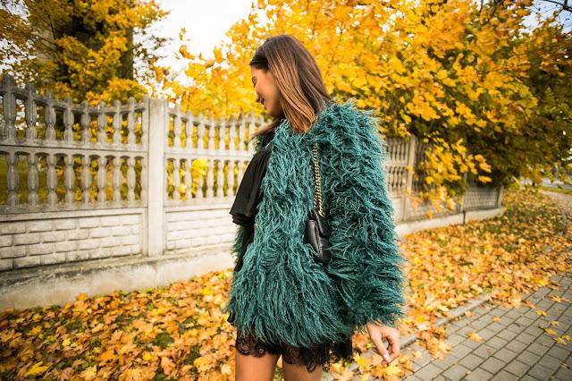 Jesienna stylizacja/ Zielone futerko oraz sukienka z falbanami  - Czytaj więcej