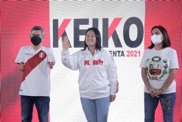Keiko Fujimori encabeza el recuento oficial de los sufragios de las elecciones presidenciales peruanas con un 50,5 % de los votos frente al 49,4 % de Pedro Castillo, con el 88,8 % de las actas escrutadas, según datos de la Oficina Nacional de Procesos Electorales (ONPE).  A mitad de las madrugada, hacia las 4.48 hora local, la candidata derechista es primera en los votos ya procesados, poco más de un punto por delante de Castillo, con la particularidad de que éste logra su mayor caudal electoral de las zonas rurales y del interior, que son las últimas en contabilizarse.