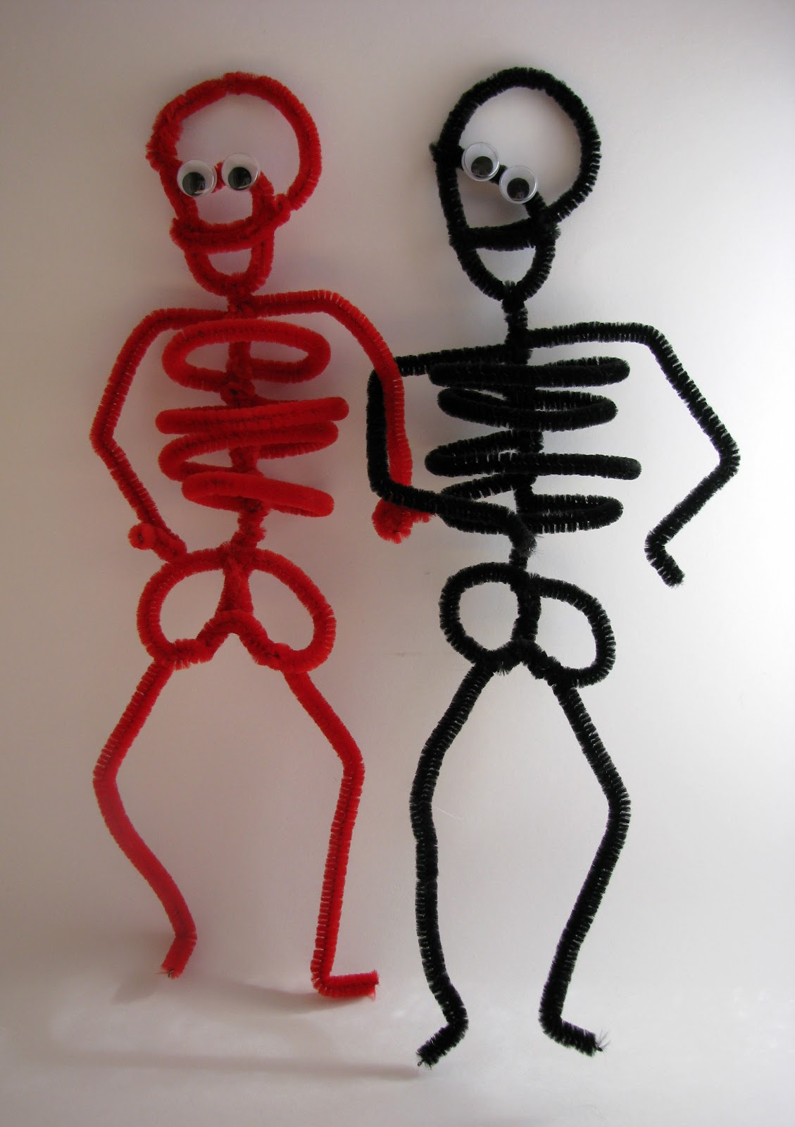 POTIONSMITH: Pipe Cleaner Skeleton