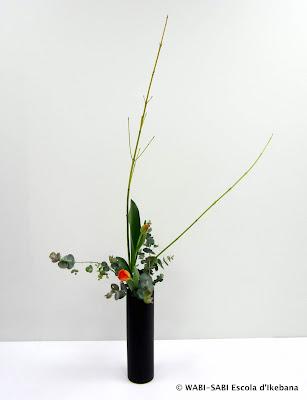 Ikebana-nageire-freestyle-wabi-sabi-escoladikebana