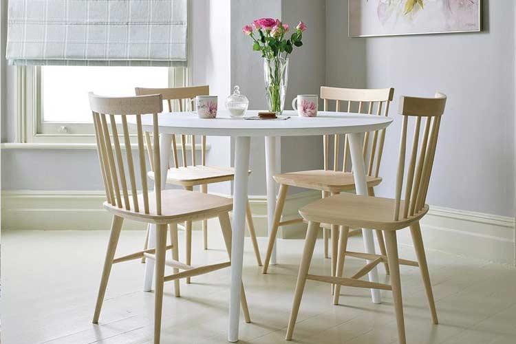 Marzua tipos de sillas de comedor para elegir la m s adecuada for Tipos de sillas para comedor