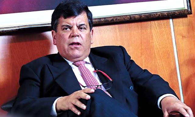 Carlos Paredes renuncia a la presidencia de Petroperú