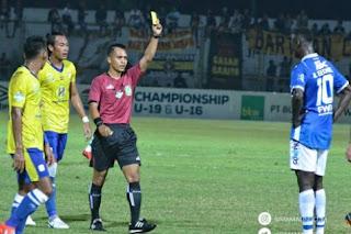 PS Tira vs Persib Bandung: Ezechiel N'Douassel Absen, Wanggai Bisa Main