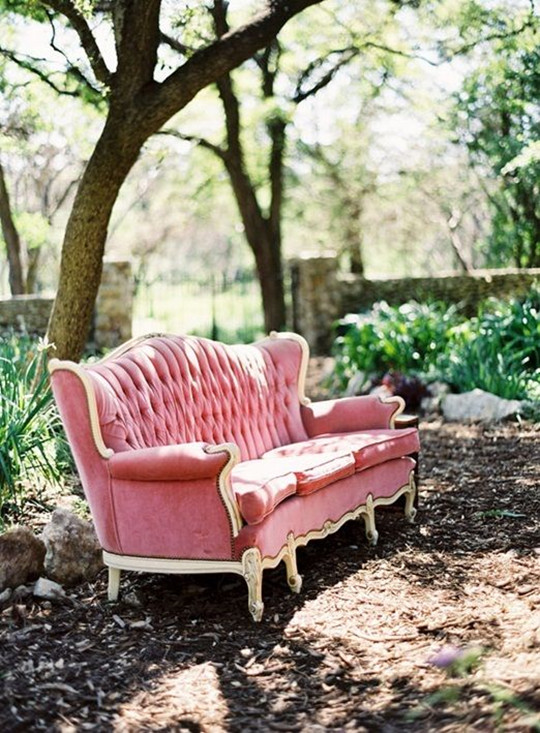 spring wedding ideas with live room furnishings