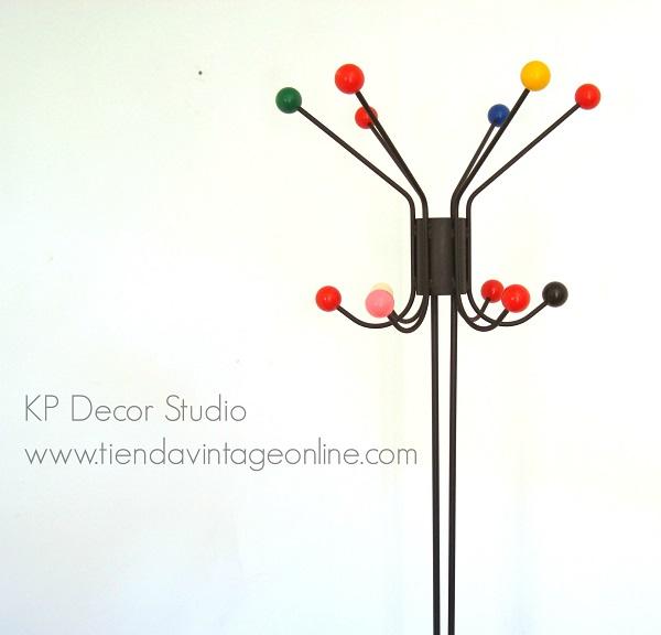 Comprar perchero vintage bolas colores para decoración. Percheros eames vintage con bolas de colores Roger Feraud
