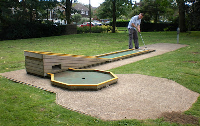 Mini Golf at Cutteslowe and Sunnymead Park in Oxford