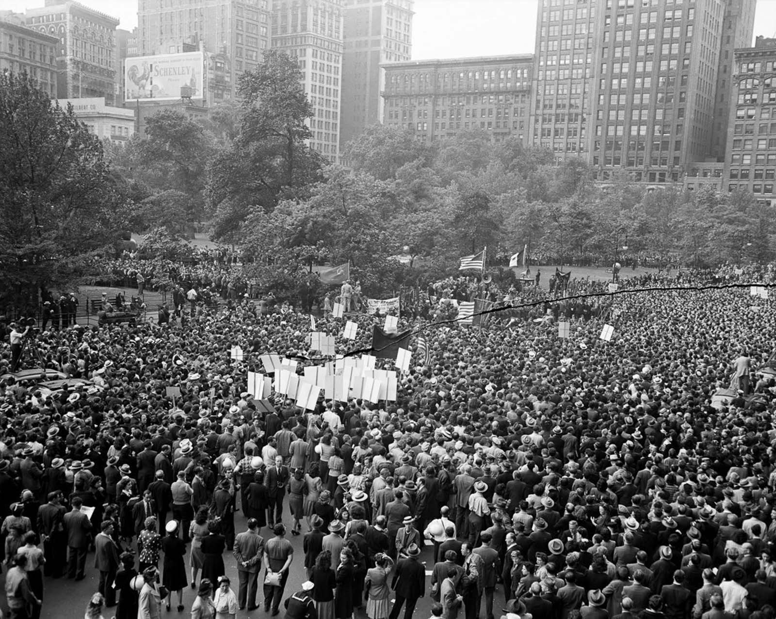 Thousands gather for a rally in Madison Square.